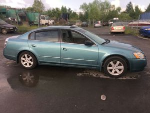 2003 Nissan Altima 2.5 150k miles runs and Drives!!! for Sale in Hillcrest Heights, MD