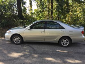 2005 Toyota Camry 4door for Sale in Laurel, MD