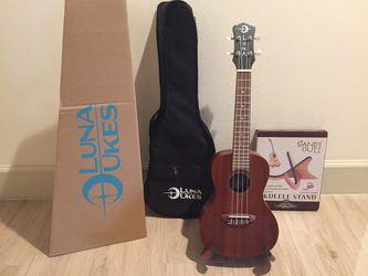 Musical Luna Guitars Tattoo Concert Mahogany Ukelele Bundle Thumbnail