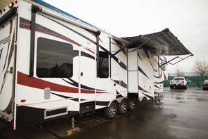 2013 Dutchman Voltage 3950 for Sale in Seattle, WA