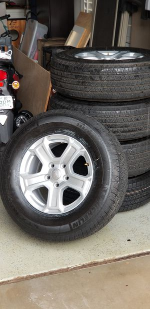Photo Jeep Wrangler tires and wheels like new