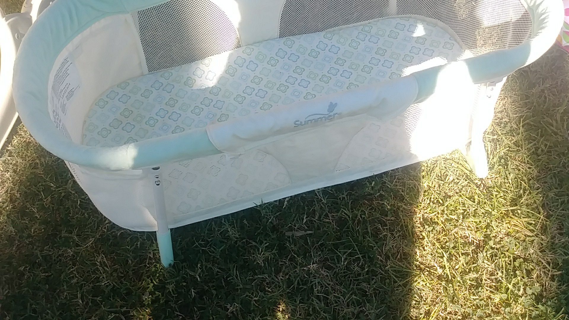 Baby small bassinet