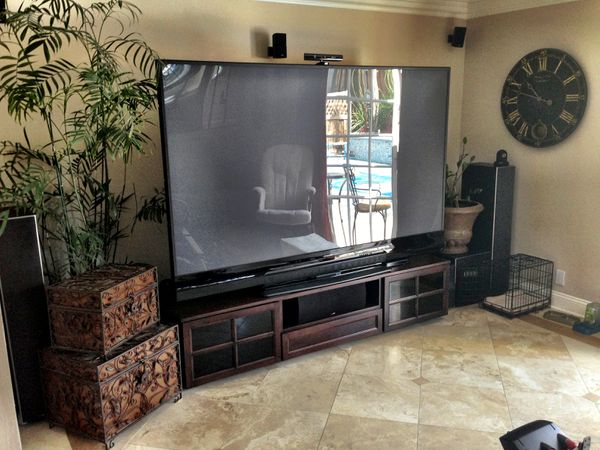 92 inch Mitsubishi 3D dlp flat screen tv (Electronics) in Greenville