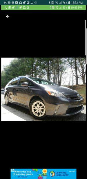 Toyota prius v 2014 for Sale in Dulles, VA