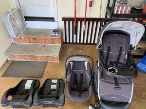 Photo Eddie Bauer car seat and stroller set