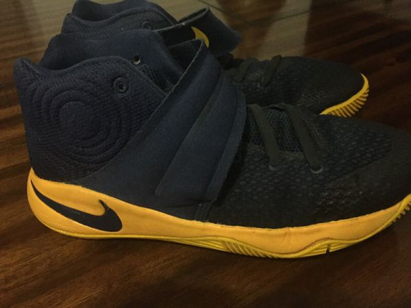 NIKE Kyrie Irving Kyrie 2 sneakers - Size 4Youth for Sale in Miami ... 68b2e3acd4