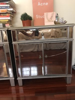 Pier 1 mirrored drawer for Sale in Los Angeles, CA