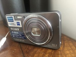 SONY CyberShot 16.1 Megapixel Slim Camera | Excellent Condition for Sale in Gaithersburg, MD