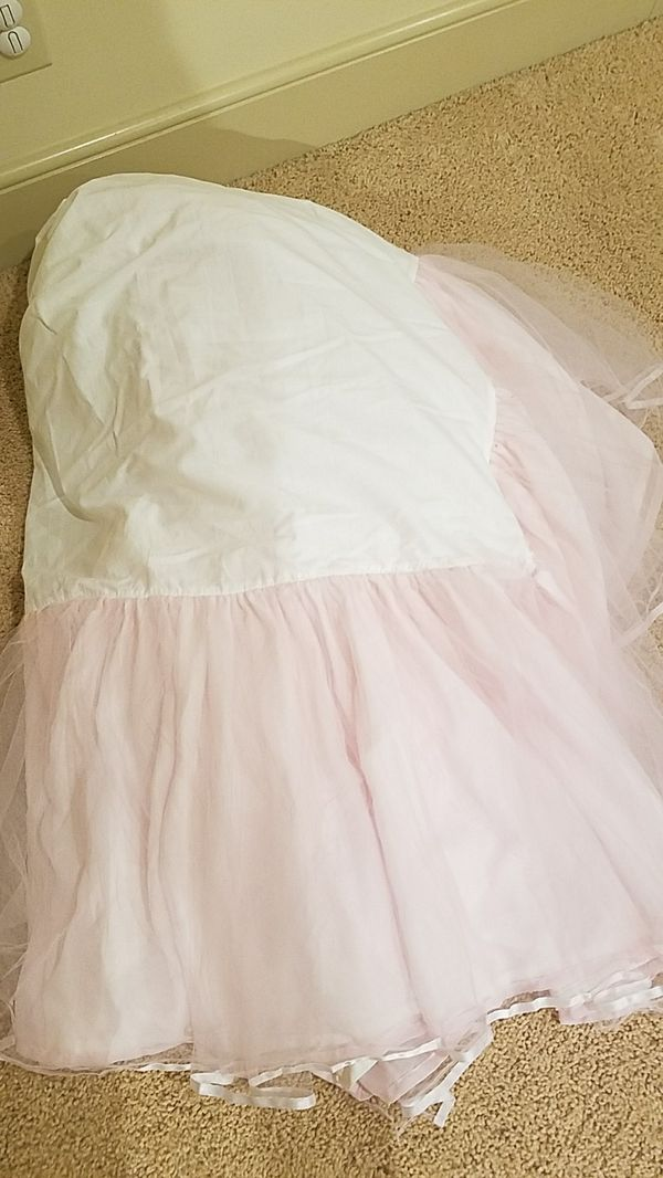 Pottery Barn Kids Twin Bedskirt for Sale in Charlotte, NC ...