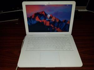 "Apple - Macbook® 13.3"" Refurbished Laptop - Intel Core 2 Duo - 2GB Memory - 250GB Hard Drive - White for Sale in Longwood, FL"