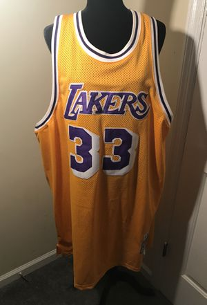 hot sale online f1536 421eb Mitchell&Ness lakers Kareem Abdul-jabbar jersey size 60 for Sale in  Murfreesboro, TN - OfferUp