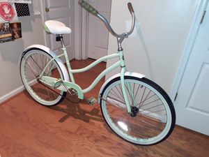 Photo Green Huffy Cranbrook Beach Cruiser 26 inch good condition