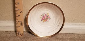 Beautiful Rose Motif Small Gold Trimmed Bowl for Sale in Lake Ridge, VA