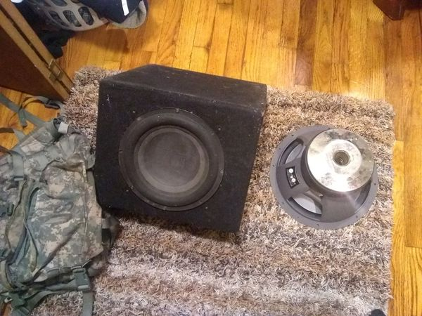 Diamond audio 1000 rms and box plus loose bazooka sub $165 for Sale in  Chicago, IL - OfferUp