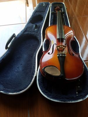 Authentic Violin/W Luxury Carrying Case for Sale in Kissimmee, FL