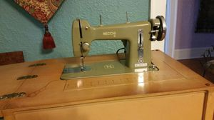 VINTAGE NECCHI SEWING MACHINE for Sale in Tampa, FL