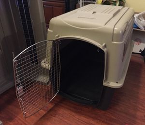 Dog Kennels / Crates ( plastic) for Sale in Laurel, MD