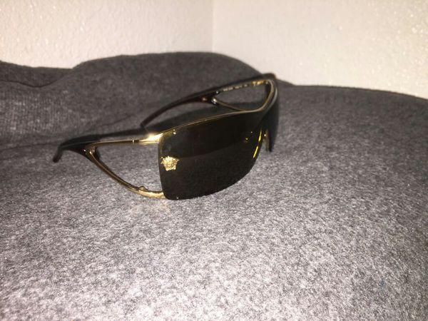 e83a6f83e3977 Unisex Versace sunglasses model 2048 1002 73 120 for Sale in El Paso ...