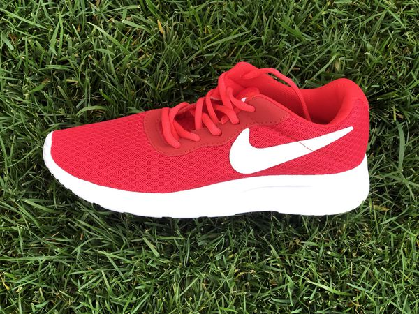 a7c02092 Red Nike shoes tennis tenis rojos for Sale in Merced, CA - OfferUp