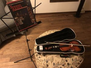1/2 violin, music stand and book for Sale in New Windsor, MD