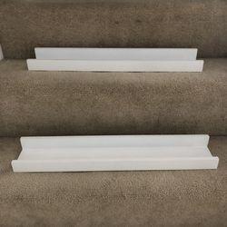 Set of two white book shelves Thumbnail