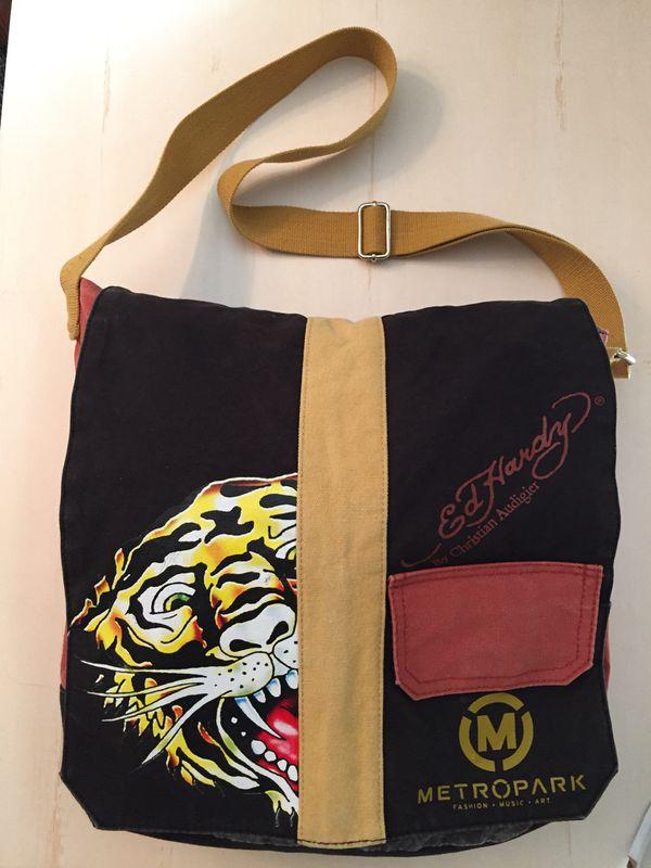 9c378f7e64 Ed Hardy Metropark Collectable Messenger Bag