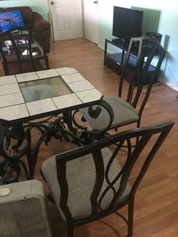 Dining table with 4 chairs Thumbnail