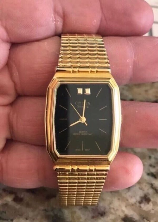 Vintage Citizen Men S Watch With Gold Band And Black Watch Face I Just Put In New Battery And Runs Great Like New Great Gift For The Watch Coll For