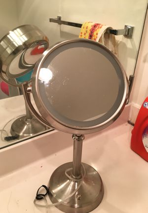 double-size makeup mirror with light for Sale in Arlington, VA