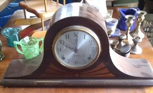 Antique clock for Sale in Porterville, CA