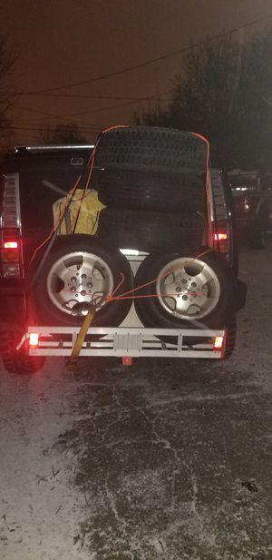 5 jeep tires and rims for Sale in Akron, OH