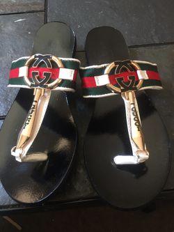 Woman's sandals Thumbnail
