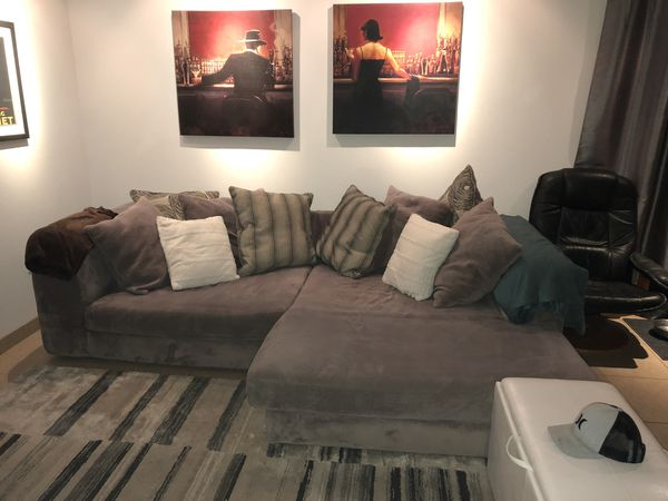Grey Sectional couch with throw pillows for Sale in Palm Desert, CA -  OfferUp