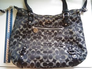Photo Large Authentic Black Coach Handbag Purse