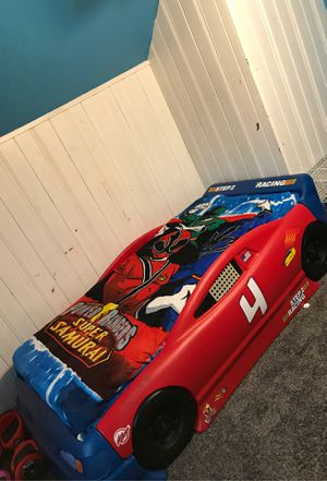 Photo Twin race car bed