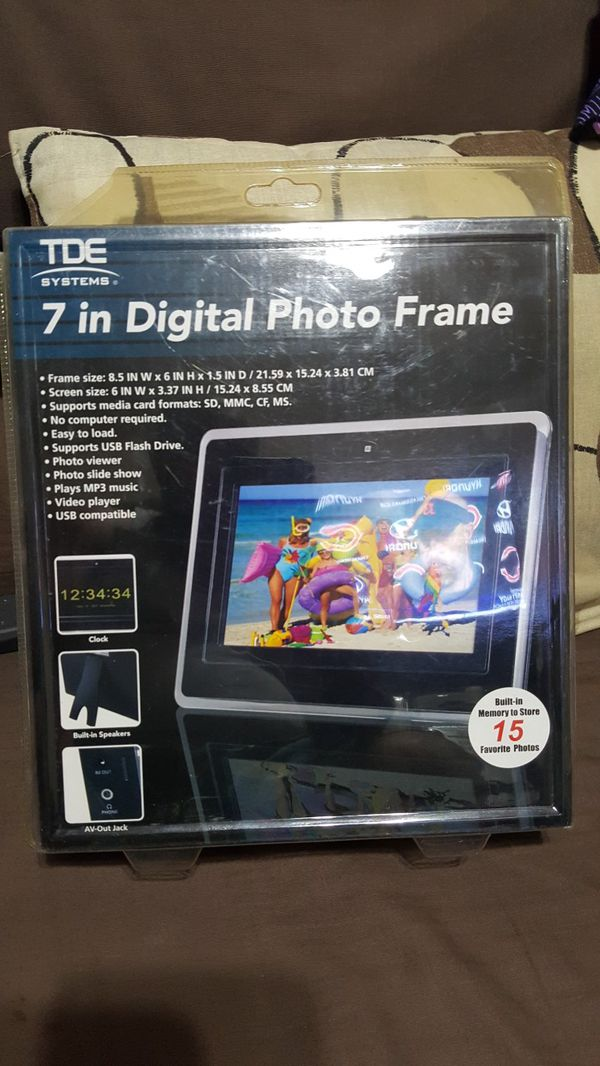 New 7in Digital Photo Frame for Sale in Hammond, IN - OfferUp