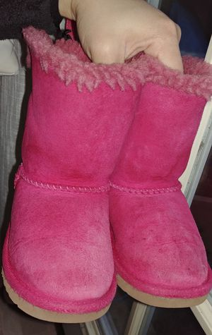 Toddler girl Uggs boots Size 9 for Sale in Manassas Park, VA