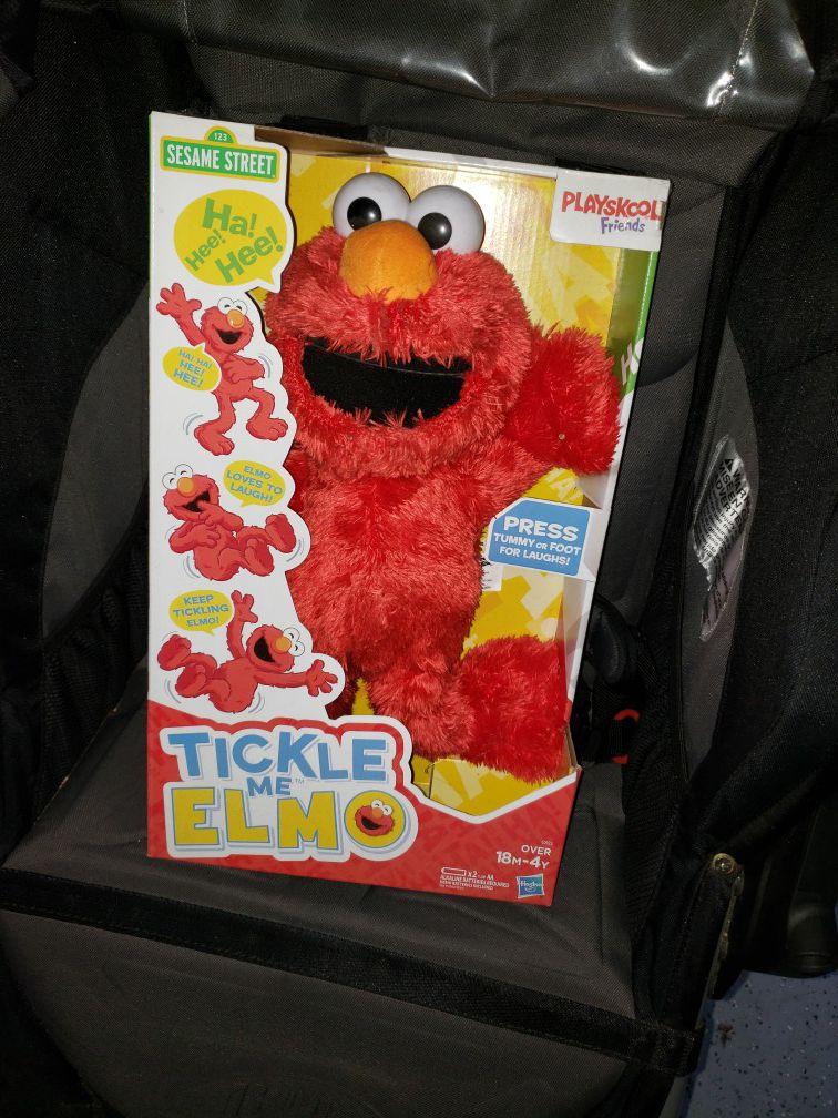 NEW!! Tickle Me Elmo