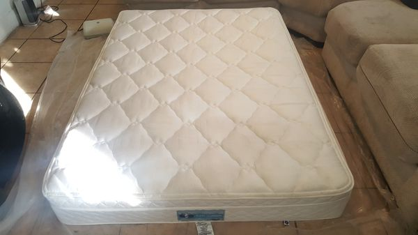 Select Comfort Sleep Number Full Size 5000 PT Mattress & Base for