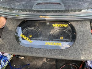 Photo Car 10 subs kicker competition speakers with port and amp