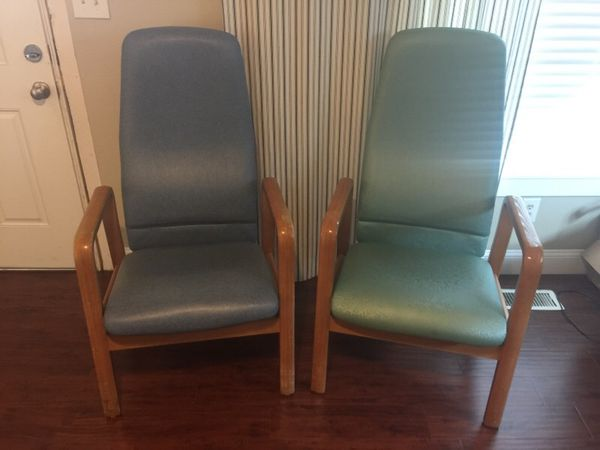 Groovy 2 Sauder Rocking Arm Chairs For Sale In Tacoma Wa Offerup Caraccident5 Cool Chair Designs And Ideas Caraccident5Info
