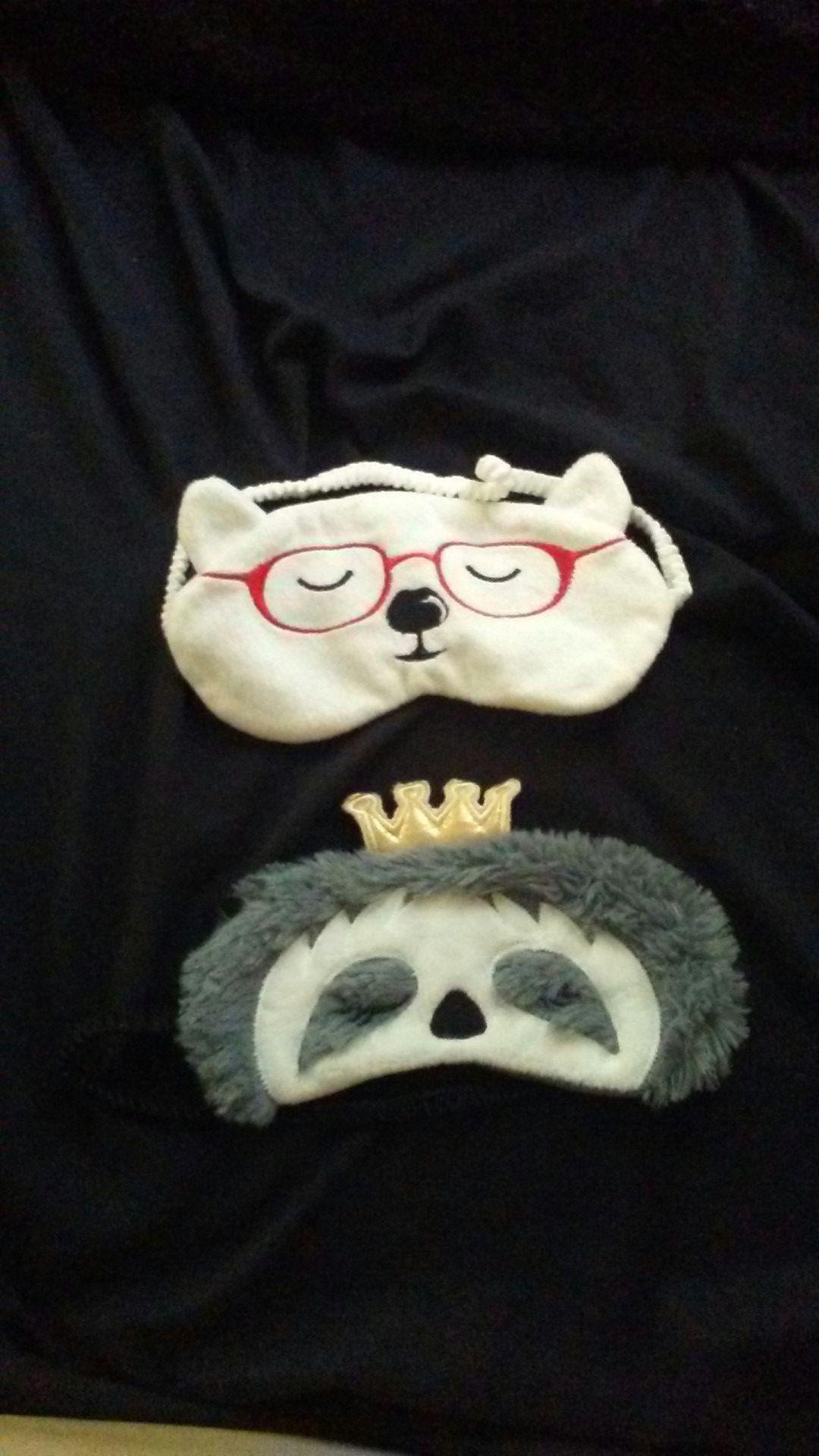 2 sleeping masks. Never used.