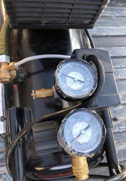 Air compressor Thumbnail