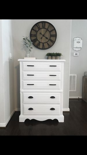 Broyhill Farmhouse Style Dresser for Sale in Moseley, VA