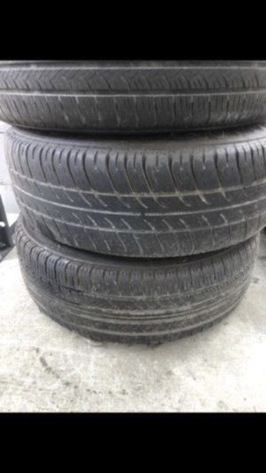 Nice set of wheels and tires for a Honda Accord 195/65/15 for Sale in Tampa, FL
