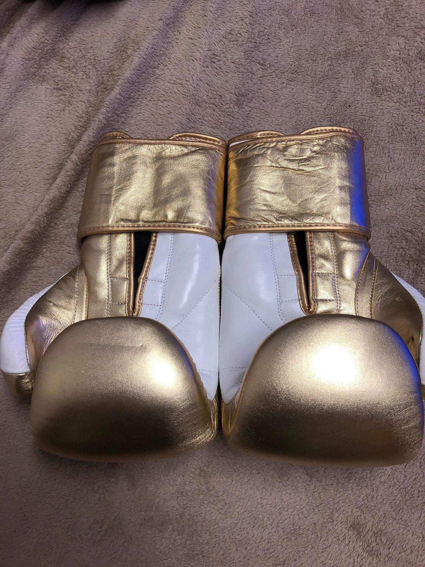 Brand new leather boxing gloves real leather
