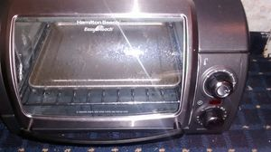 Hamilton beach oven small like new for Sale in Cleveland, OH