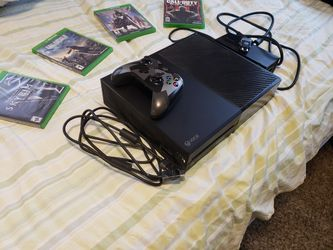 Xbox one +4 games and 1 controller Thumbnail