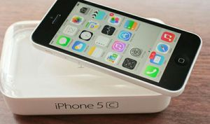 IPhone 5C   Factory Unlocked + box and accessories + 30 day warranty for Sale in Sudley Springs, VA