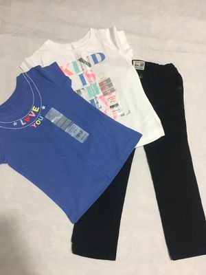 3T Jeans and T-Shirt for Sale in Orlando, FL